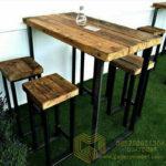 Set Stool dan Meja Cafe Antik